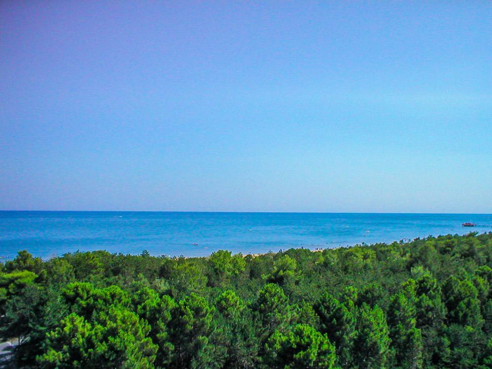 Il panorama marittimo dalla location del Villaggio Olimpico Bella Italia