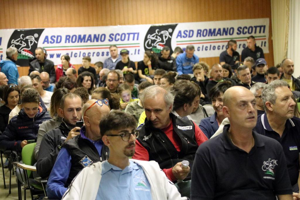 Il Bella Italia Village ospita il Giro d'Italia Ciclocross, gruppo gremito in sala