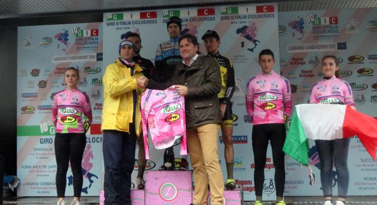 Il podio con Antonio Balduit, direttore del Bella Italia Village