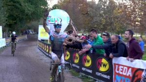Cristian Cominelli vince a Ferentino nel fango